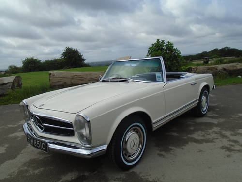 1965 Mercedes Benz 230 SL Pagoda UK RHD Auto/PAS Stunning SOLD (picture 1 of 6)