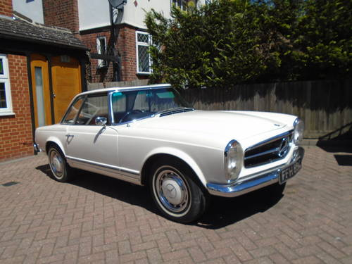 1965 Mercedes Benz 230 SL Pagoda UK RHD Auto/PAS Stunning SOLD (picture 2 of 6)