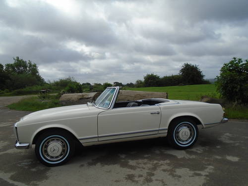 1965 Mercedes Benz 230 SL Pagoda UK RHD Auto/PAS Stunning SOLD (picture 5 of 6)
