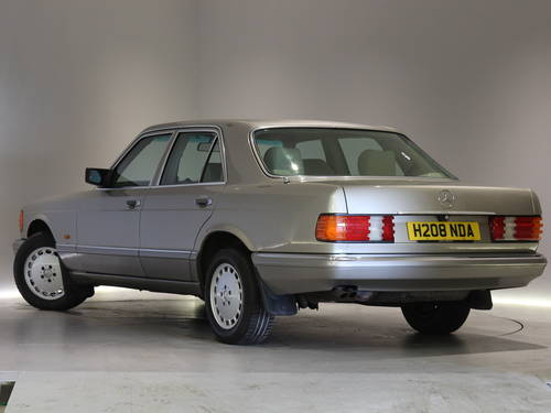 1991 Mercedes Benz 300SE Automatic-Outstanding Example SOLD (picture 2 of 6)