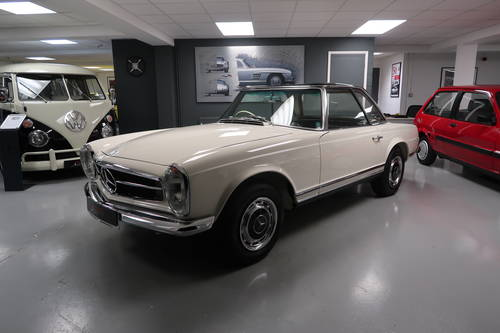 1970 Mercedes 280SL Pagoda RHD For Sale  SOLD (picture 1 of 6)
