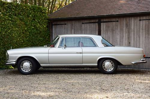 1970 Beautifully restored Mercedes 280 SE Coupé (LHD) For Sale (picture 2 of 6)