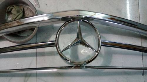 Mercedes Benz W113 Grill For Sale (picture 2 of 4)