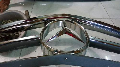 Mercedes Benz W113 Grill For Sale (picture 4 of 4)