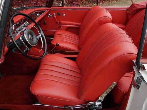 1968 Mercedes 250SE Covertible Fully Restored! For Sale (picture 3 of 6)