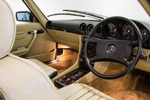 1989 Mercedes 300SL(R107)- ONLY 7700 MILES-THE BEST AVAILABLE  SOLD (picture 4 of 6)