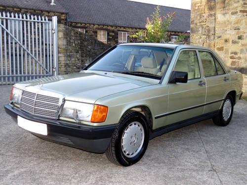 1984 Mercedes W201 190E 2.0 Auto - 32K - Very Early High Spec190E SOLD (picture 1 of 6)