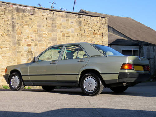 1984 Mercedes W201 190E 2.0 Auto - 32K - Very Early High Spec190E SOLD (picture 2 of 6)