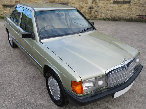 1984 Mercedes W201 190E 2.0 Auto - 32K - Very Early High Spec190E SOLD (picture 3 of 6)