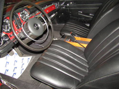 1970 Mercedes 280SL Pagoda Automatic  Restored For Sale (picture 4 of 6)
