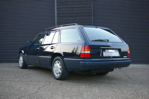 1994 Mercedes-Benz W124 E280 Estate Automatic (67,733 miles) For Sale (picture 3 of 6)