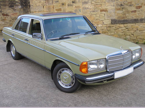 1983 Mercedes W123 230E Auto - Low Miles - History - Show Winner SOLD (picture 3 of 6)