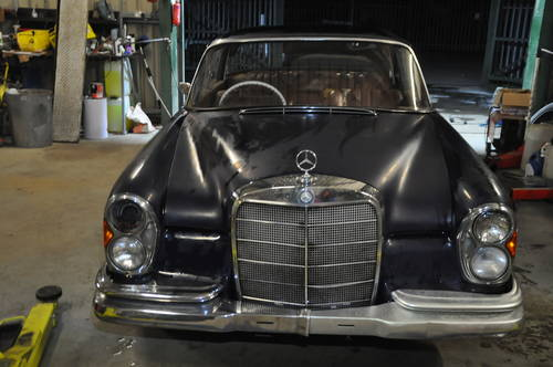 1964 MERCEDES BENZ W111 250SE 2 DOOR BARN FIND RESTORATION  SOLD by Auction (picture 2 of 6)