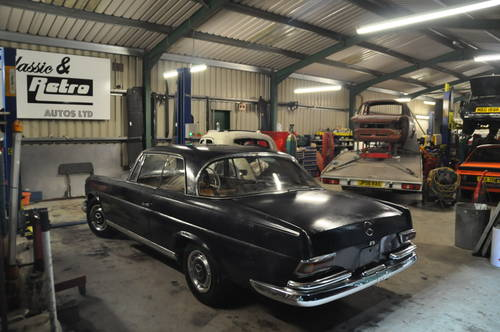 1964 MERCEDES BENZ W111 250SE 2 DOOR BARN FIND RESTORATION  SOLD by Auction (picture 3 of 6)