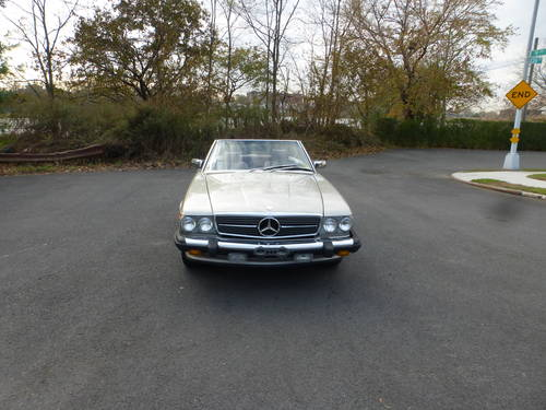 1988 Mercedes 560SL Two Tops Nicely Presentable - SOLD (picture 2 of 6)