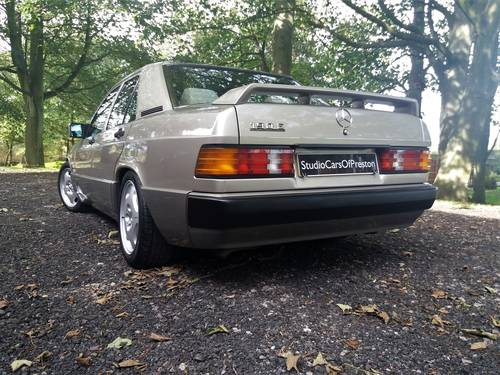 1990 Mercedes-Benz 190e in excellent condition throughout SOLD (picture 3 of 6)