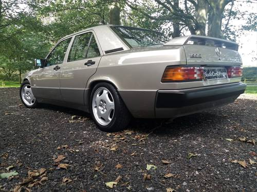 1990 Mercedes-Benz 190e in excellent condition throughout SOLD (picture 4 of 6)