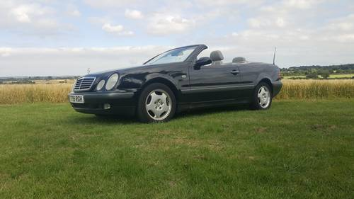 Mercedes CLK320 Convertible 1999 SOLD (picture 1 of 2)