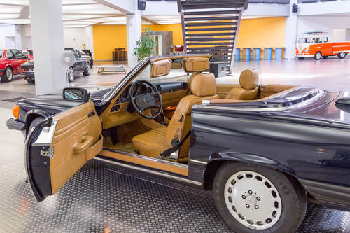 1987 Mercedes-Benz 560 SL For Sale (picture 5 of 6)