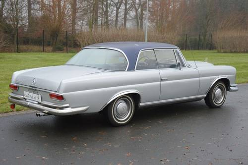1967 (913) Mercedes-Benz 250 SE Coupé (W111) For Sale (picture 3 of 6)
