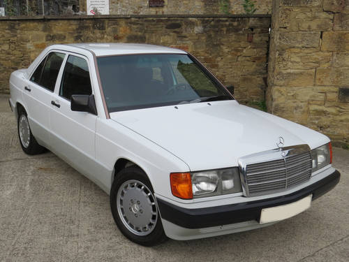 1990 Mercedes W201 190D Auto LHD - 56K - FSH - The Best Available SOLD (picture 3 of 6)