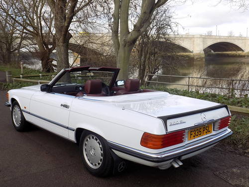 1989 Mercedes 300SL Sports Convertible with Electric Roof  For Sale (picture 2 of 6)