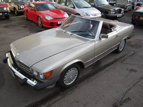 1989 Mercedes 560SL For Sale (picture 1 of 6)