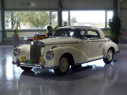 1952 Die Bilderbuchgeschichte eines edlen Automobils For Sale (picture 1 of 6)