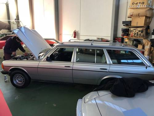 Mercedes Benz 300TD Autom Station, 7seater SOLD (picture 1 of 6)