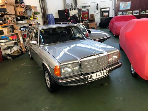 Mercedes Benz 300TD Autom Station, 7seater SOLD (picture 2 of 6)