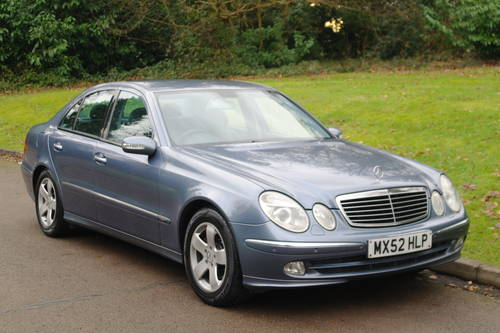 Mercedes E270 CDi Avantgarde.. Tip Auto.. Diesel.. BARGAIN.. SOLD (picture 1 of 6)