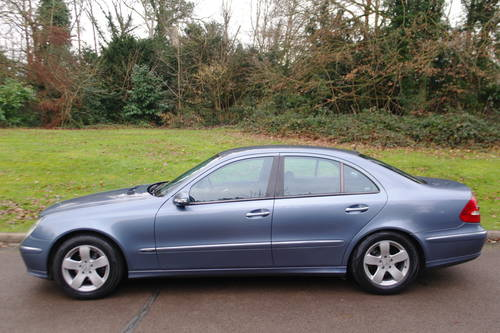 Mercedes E270 CDi Avantgarde.. Tip Auto.. Diesel.. BARGAIN.. SOLD (picture 2 of 6)