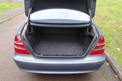 Mercedes E270 CDi Avantgarde.. Tip Auto.. Diesel.. BARGAIN.. SOLD (picture 5 of 6)