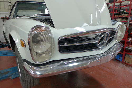 1971 MERCEDES PAGODA 280SL Manual Air ac. For Sale (picture 2 of 6)