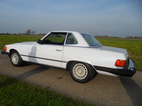1983 Mercedes 380SL '83 with hard and soft top included SOLD (picture 2 of 6)