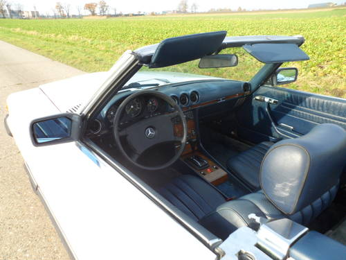 1983 Mercedes 380SL '83 with hard and soft top included SOLD (picture 4 of 6)