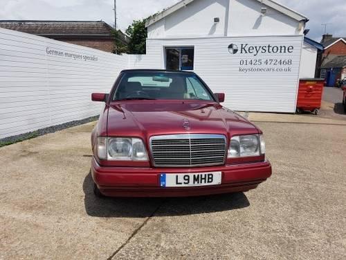 1995 Rare E220 Cabriolet For Sale (picture 2 of 6)