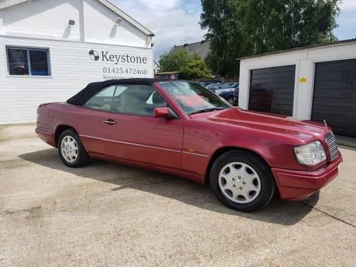 1995 Rare E220 Cabriolet For Sale (picture 3 of 6)