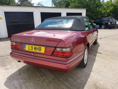1995 Rare E220 Cabriolet For Sale (picture 4 of 6)