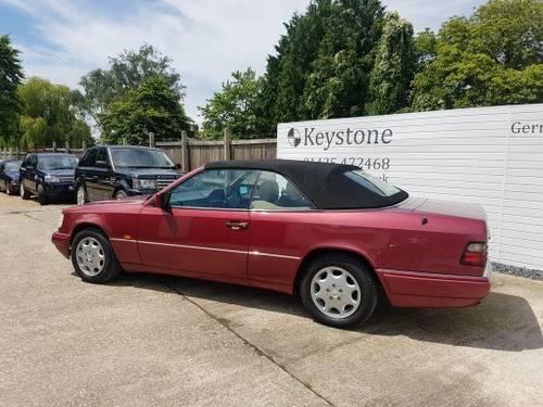 1995 Rare E220 Cabriolet For Sale (picture 5 of 6)