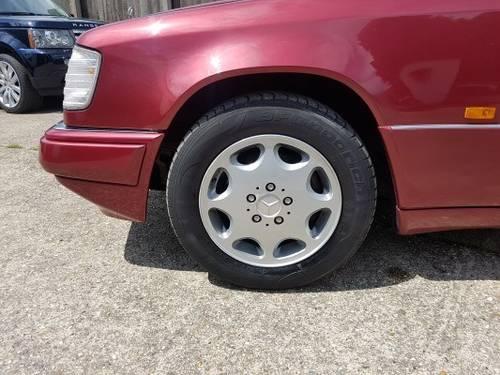 1995 Rare E220 Cabriolet For Sale (picture 6 of 6)