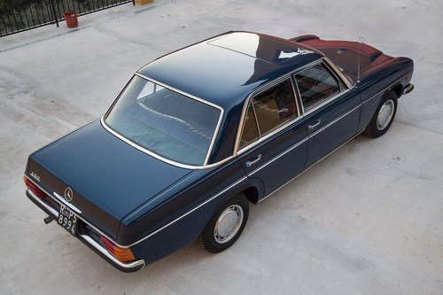 1975 Mercedes Benz 250SE w114 SOLD (picture 2 of 5)