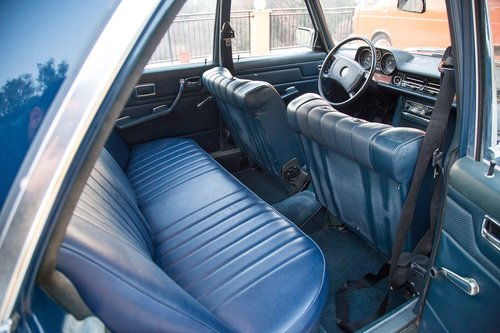 1975 Mercedes Benz 250SE w114 SOLD (picture 4 of 5)