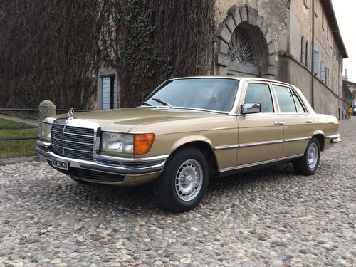 1975 Mercedes Benz 450Se  SOLD (picture 1 of 6)