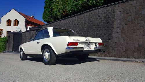 Mercedes-Benz 230 SL 1965 Pagoda For Sale (picture 4 of 6)
