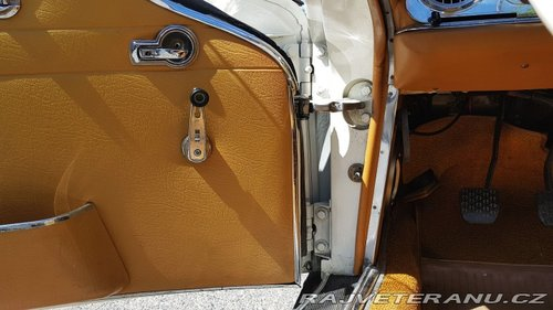 Mercedes-Benz 230 SL 1965 Pagoda For Sale (picture 6 of 6)