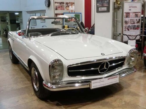 MERCEDES BENZ 230 SL PAGODE W113 - 1965 For Sale (picture 1 of 6)