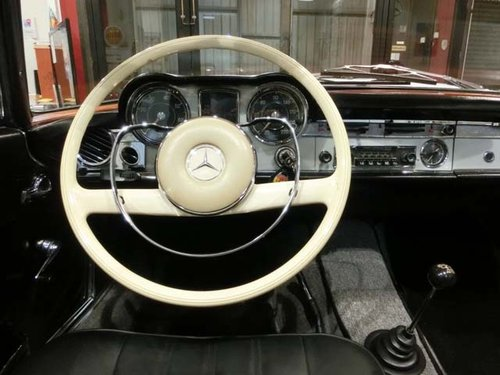 MERCEDES BENZ 230 SL PAGODE W113 - 1965 For Sale (picture 3 of 6)
