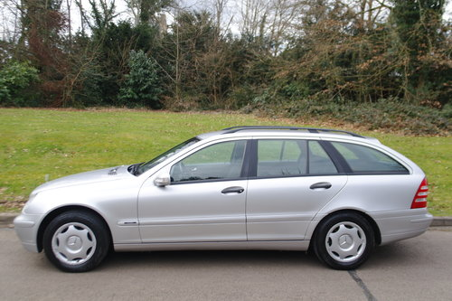 MERCEDES C180 ESTATE.. LHD LEFT HAND DRIVE.. LOW MILES..FSH SOLD (picture 1 of 6)