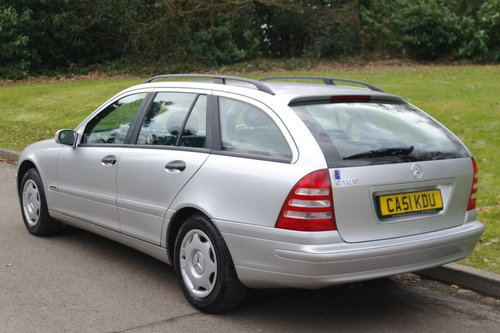 MERCEDES C180 ESTATE.. LHD LEFT HAND DRIVE.. LOW MILES..FSH SOLD (picture 5 of 6)